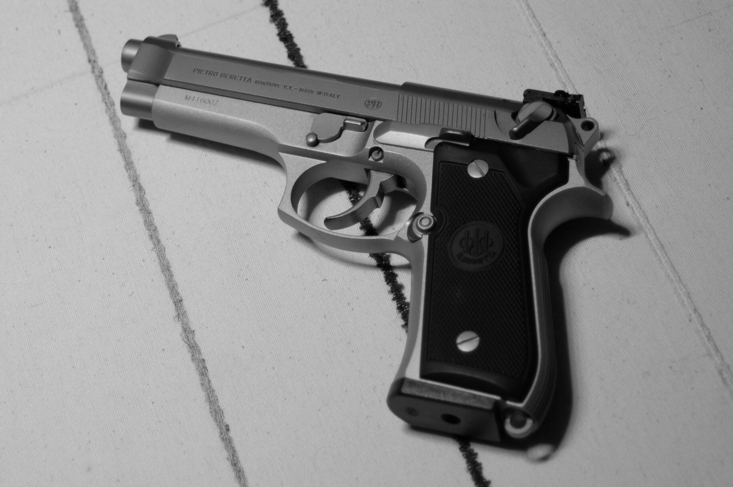 Beretta 92FS left