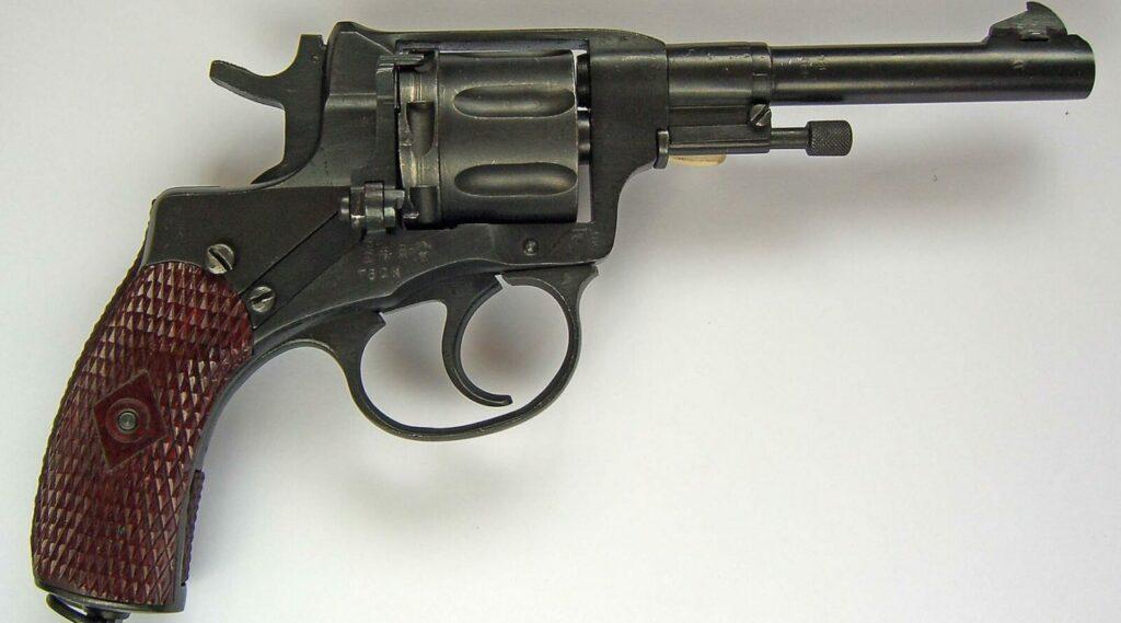 Легендарный револьвер системы Нагана: с 1886 года и до наших дней