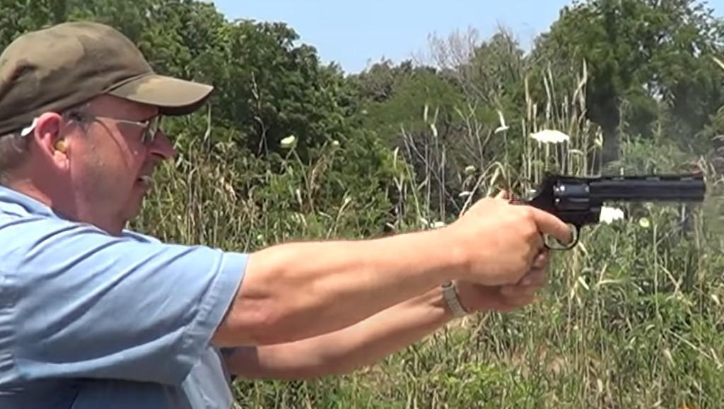 Стрельба из Кольт Питона