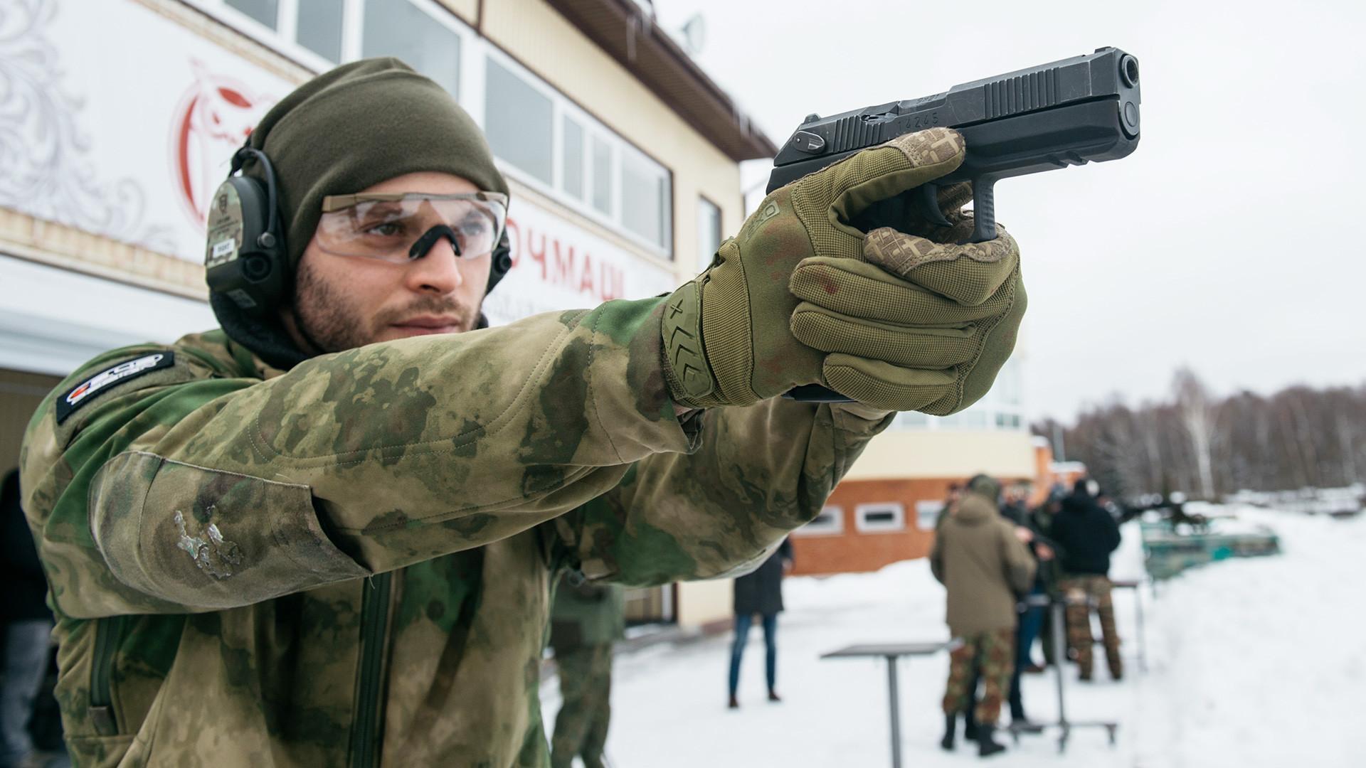 Оружейные законы: разбираемся нужно ли разрешение на газовый пистолет в России